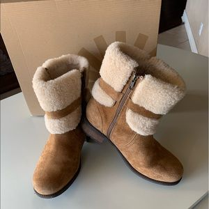 UGG BLAYRE II, Chestnut, Size 9.5, Great Condition